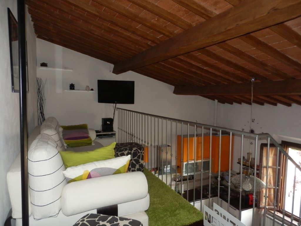 Appartamento in vendita a Calcinaia, 3 locali, prezzo € 135.000 | CambioCasa.it