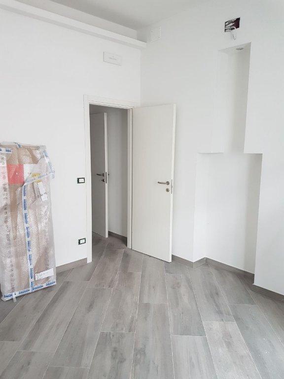 Appartamento in vendita a Viareggio, 2 locali, prezzo € 85.000 | CambioCasa.it