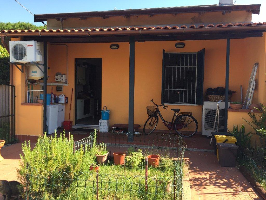 Soluzione Indipendente in vendita a Carrara, 3 locali, prezzo € 299.000 | Cambio Casa.it