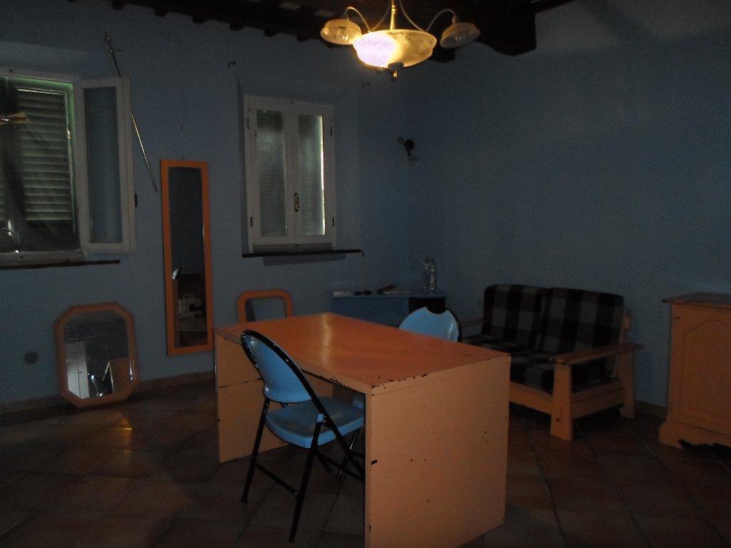 Appartamento in vendita a Fucecchio, 3 locali, prezzo € 85.000 | Cambio Casa.it