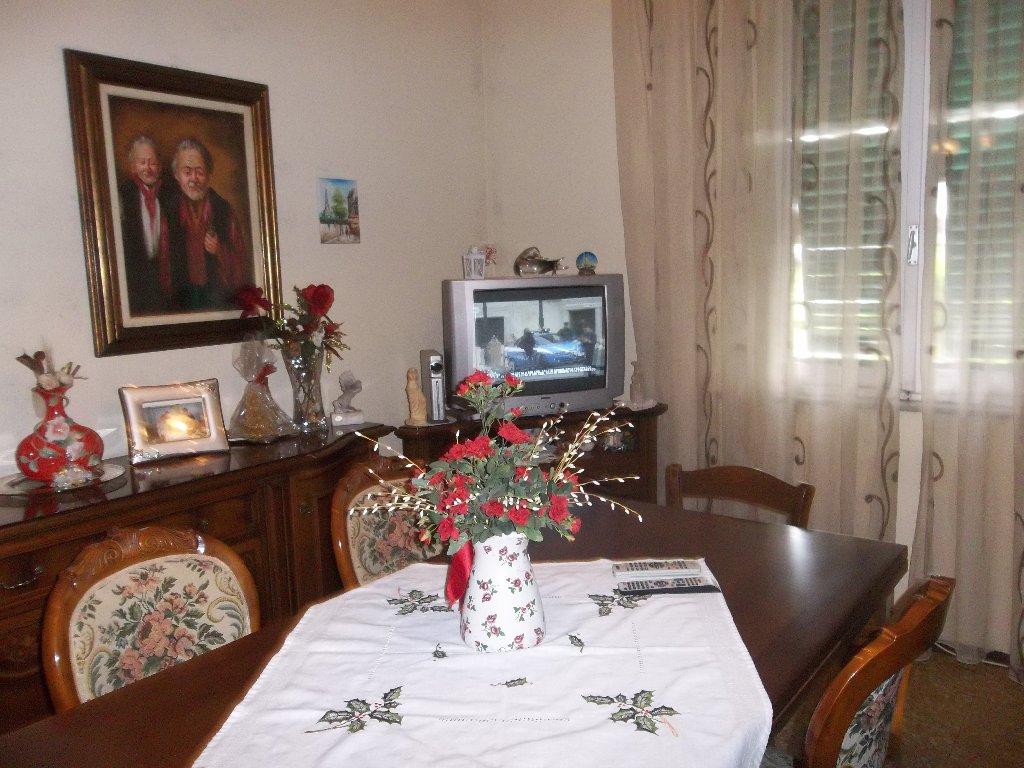 Soluzione Indipendente in vendita a Ponsacco, 5 locali, prezzo € 149.000 | Cambio Casa.it