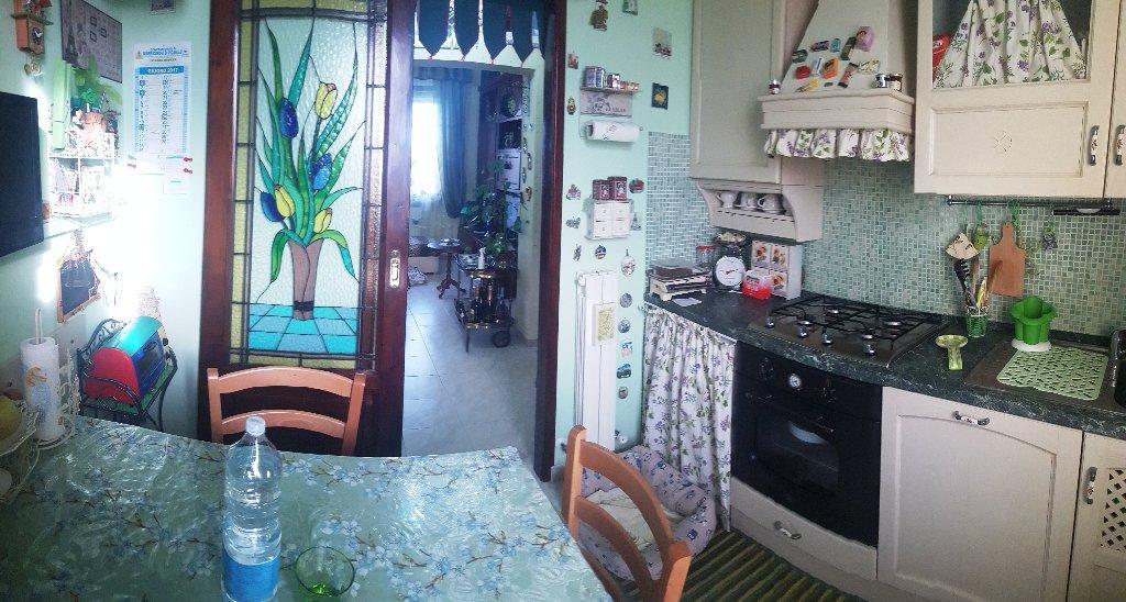 Appartamento in vendita a Collesalvetti, 5 locali, prezzo € 152.000 | CambioCasa.it