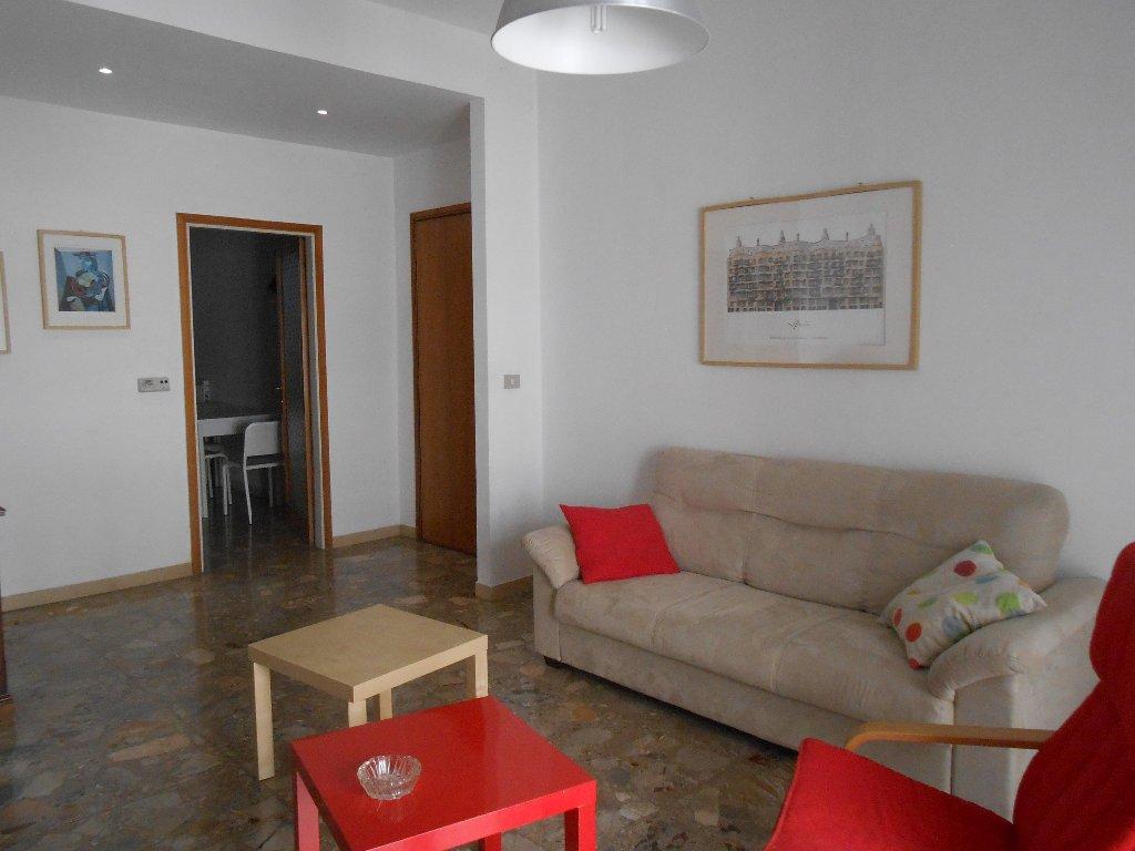 Appartamento in affitto a Pontedera, 4 locali, prezzo € 500 | Cambio Casa.it