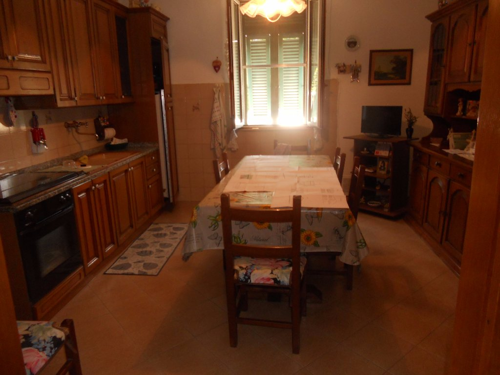 Soluzione Indipendente in vendita a Pontedera, 4 locali, prezzo € 130.000 | CambioCasa.it