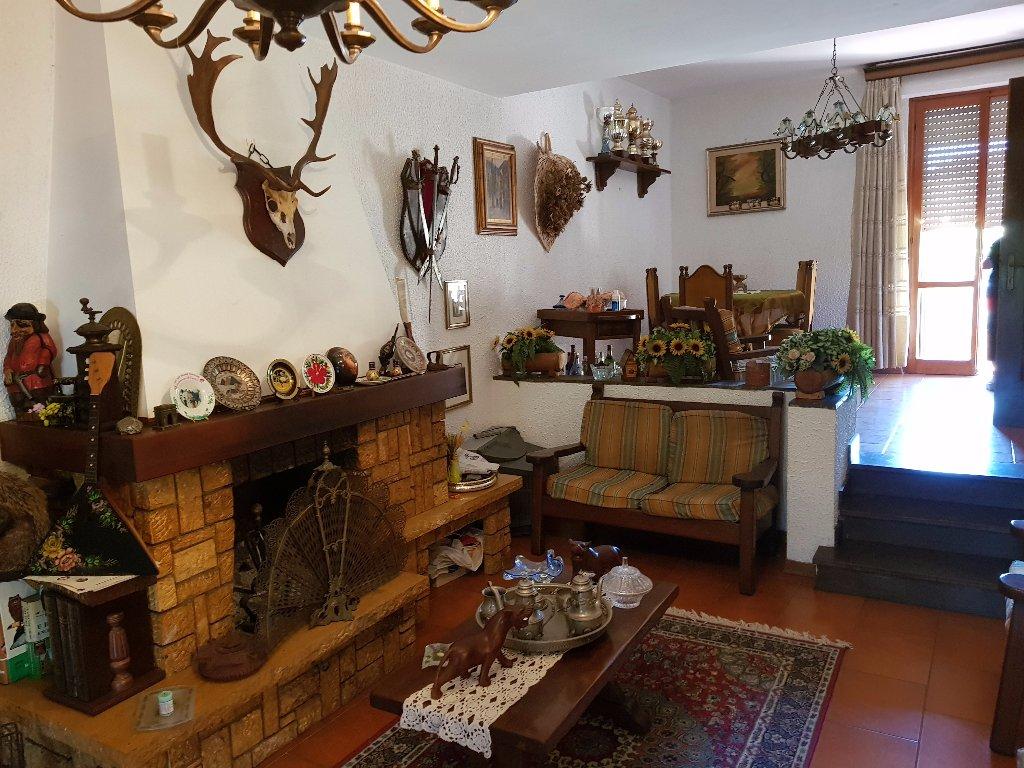 Villa a Schiera in vendita a Pisa, 7 locali, prezzo € 320.000 | CambioCasa.it