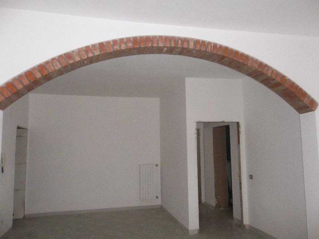 Soluzione Indipendente in vendita a Ponsacco, 11 locali, prezzo € 208.000 | Cambio Casa.it