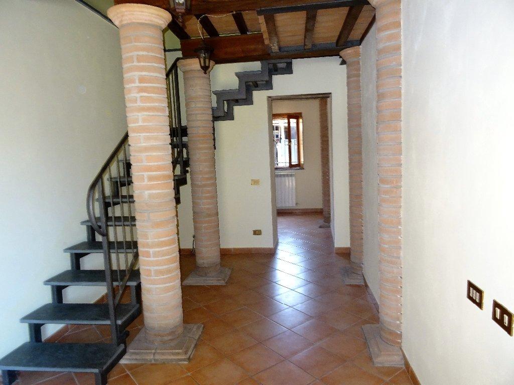 Soluzione Indipendente in affitto a San Giuliano Terme, 4 locali, prezzo € 550 | CambioCasa.it