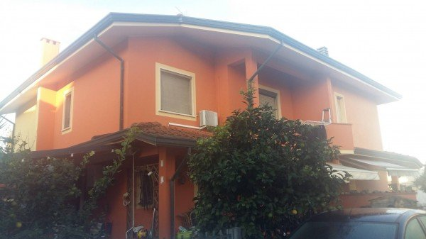 Villa Bifamiliare in Vendita a Viareggio