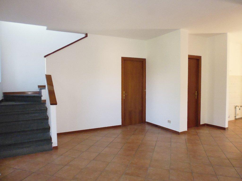 Villa Tri-Quadrifamiliare in Vendita a Vicopisano