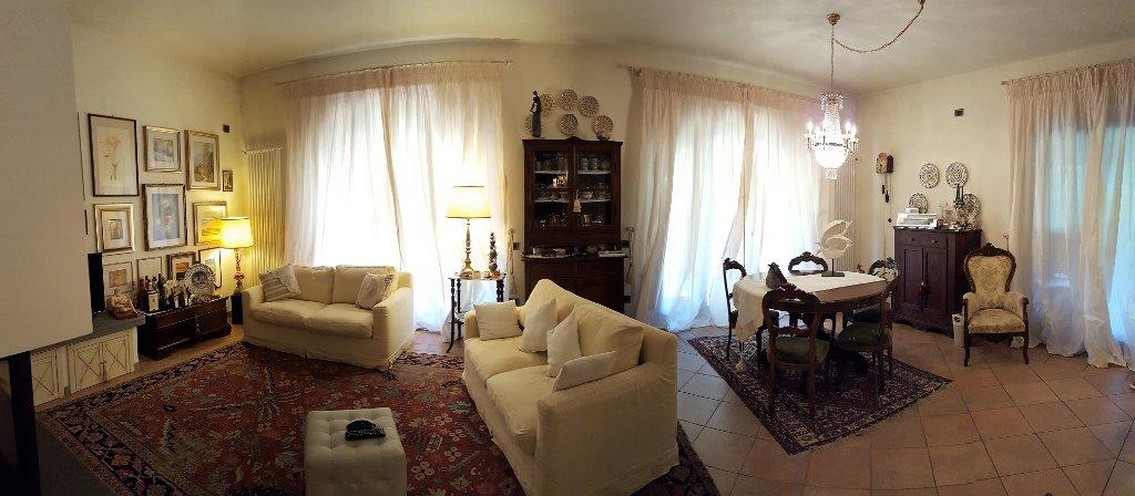 Villa in vendita a Pontedera, 10 locali, prezzo € 775.000 | CambioCasa.it