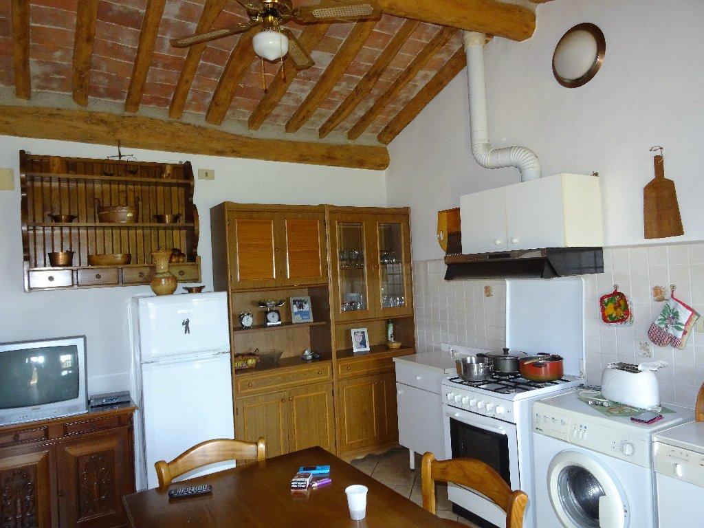 Rustico / Casale in vendita a San Giuliano Terme, 2 locali, prezzo € 250.000 | CambioCasa.it