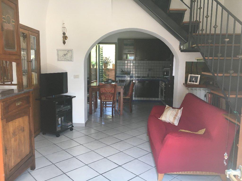 Soluzione Indipendente in vendita a Vicopisano, 3 locali, prezzo € 130.000   CambioCasa.it