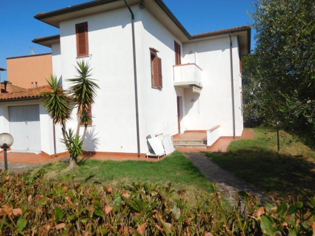 Villa in affitto a San Giuliano Terme, 7 locali, prezzo € 1.200 | CambioCasa.it