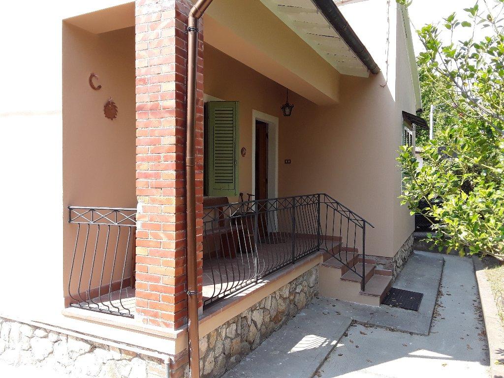Soluzione Indipendente in affitto a Peccioli, 5 locali, prezzo € 630 | CambioCasa.it