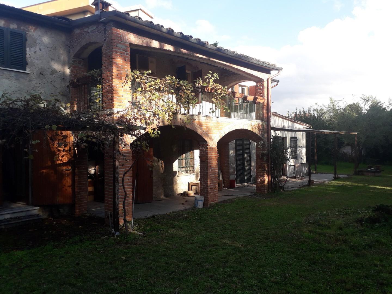 Colonica in vendita - Pietrasanta