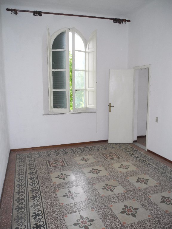 Appartamento in vendita a Fucecchio, 4 locali, prezzo € 75.000 | Cambio Casa.it