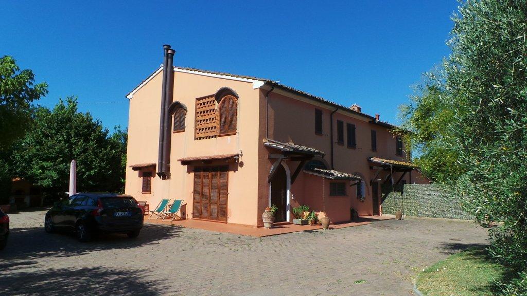 Rustico / Casale in vendita a Cascina, 8 locali, prezzo € 525.000 | CambioCasa.it