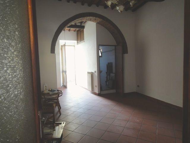 Appartamento in vendita a Buti, 2 locali, prezzo € 38.000   CambioCasa.it