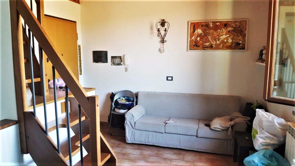 Appartamento in vendita a Vinci, 3 locali, prezzo € 120.000 | CambioCasa.it