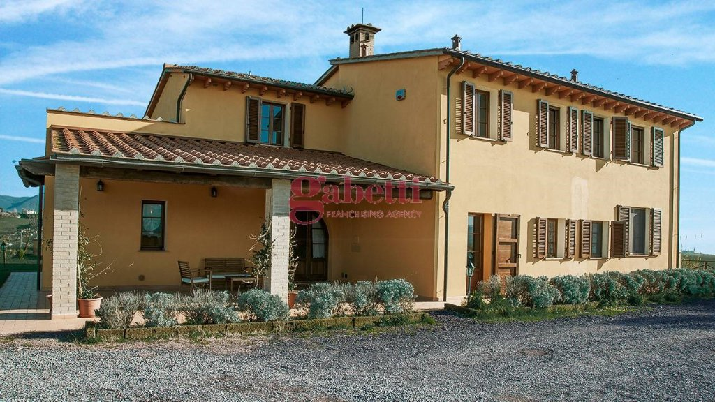 Colonica/casale in vendita a Orciano Pisano (PI)