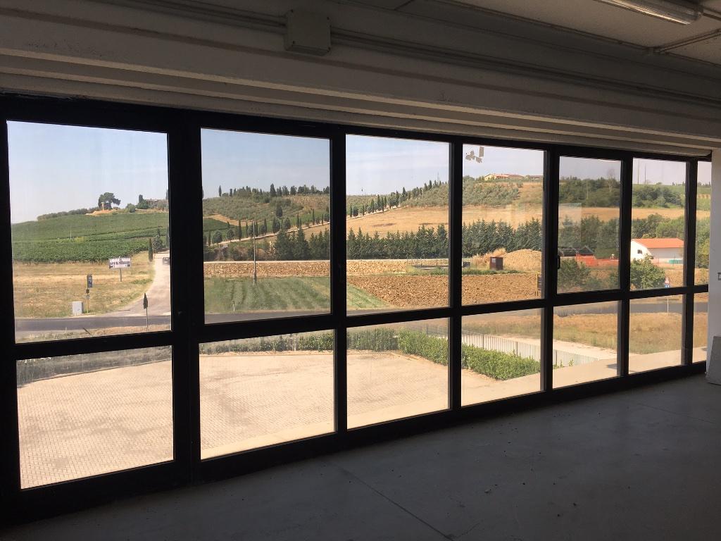 Capannone commerciale in affitto commerciale a Cerreto Guidi (FI)