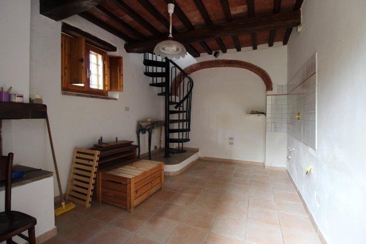 Soluzione Indipendente in vendita a Colle di Val d'Elsa, 2 locali, prezzo € 60.000 | CambioCasa.it