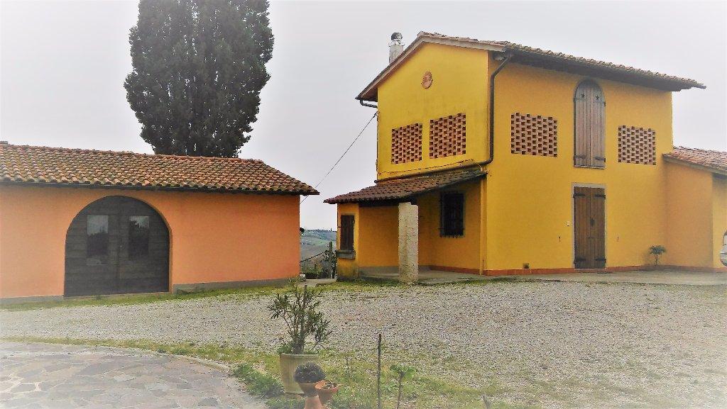 Rustico / Casale in vendita a Cerreto Guidi, 11 locali, prezzo € 570.000 | CambioCasa.it