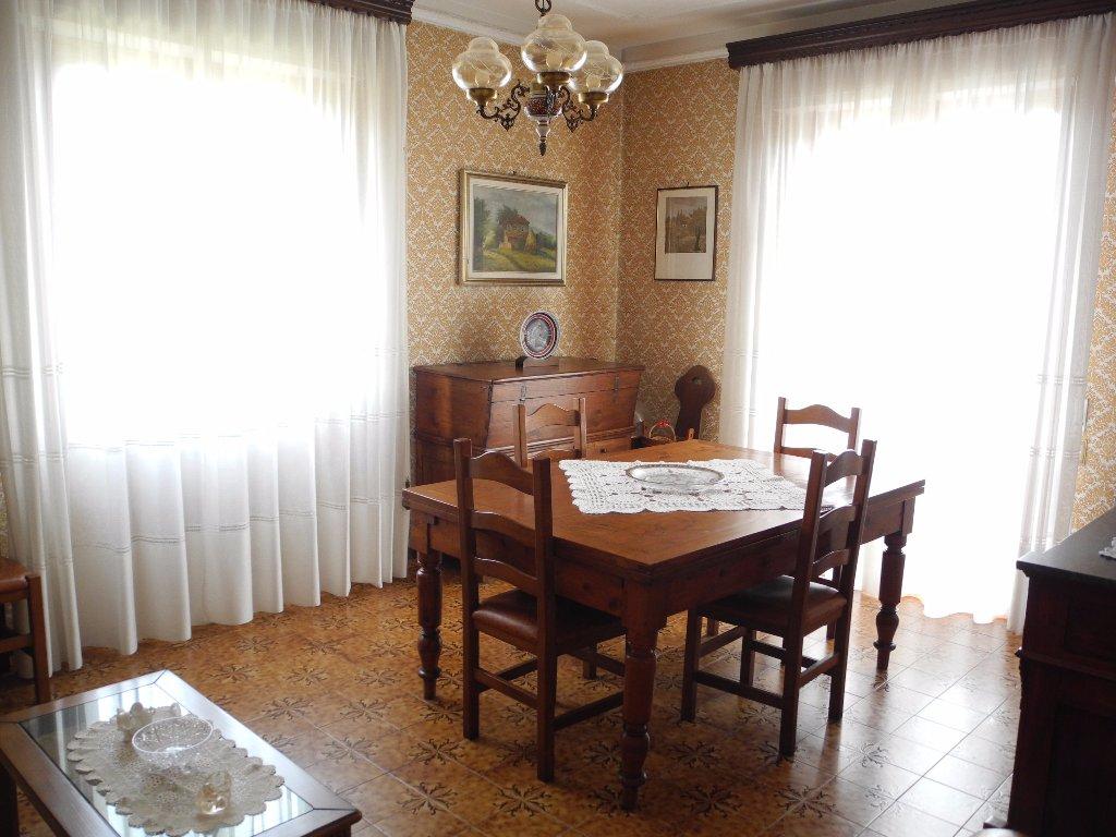 Appartamento in vendita a Vinci, 5 locali, prezzo € 220.000 | CambioCasa.it