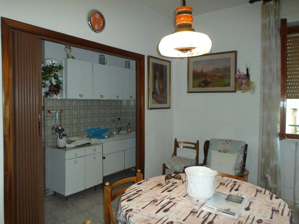 Appartamento in vendita a Fucecchio, 5 locali, prezzo € 160.000 | Cambio Casa.it