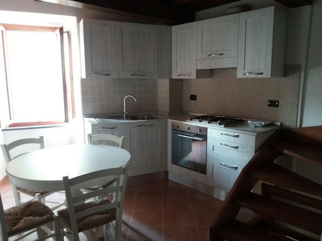 Soluzione Indipendente in affitto a Calci, 2 locali, prezzo € 380 | CambioCasa.it