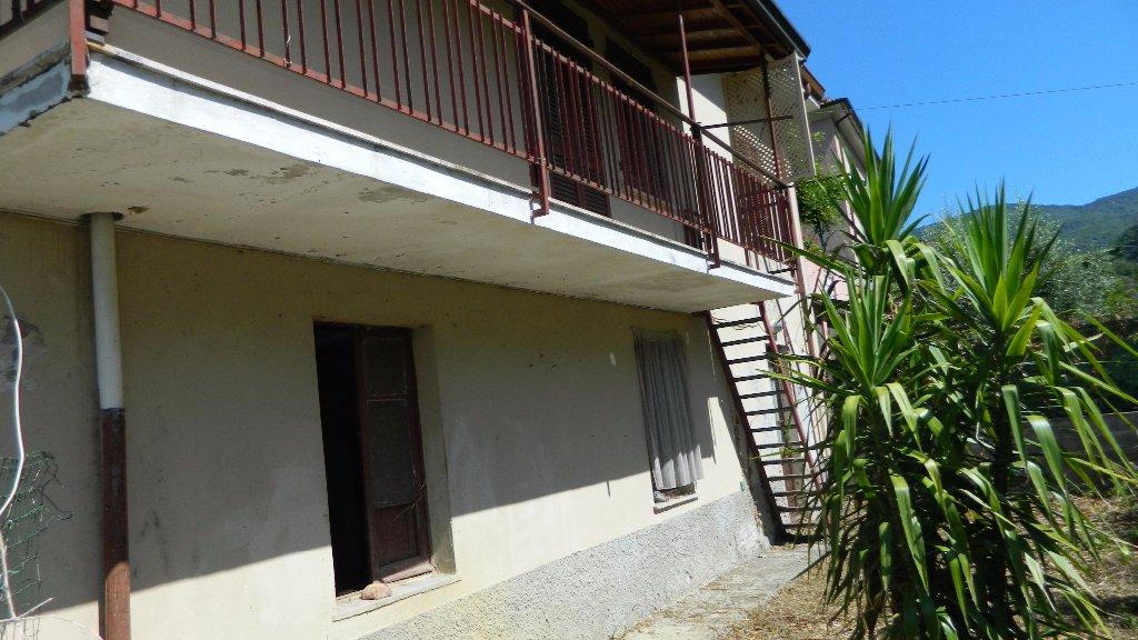 Casa singola in vendita a Ortonovo (SP)