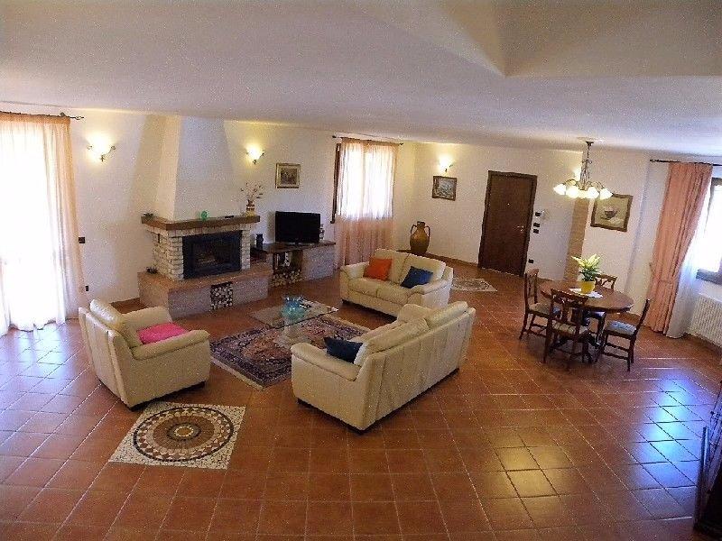 Villa in Vendita a Orciano Pisano