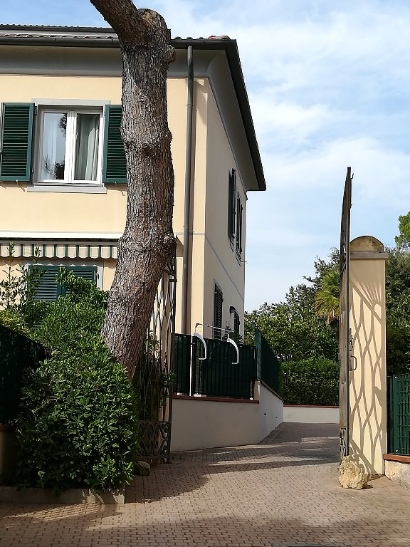 Attico in vendita a Quercianella, Livorno