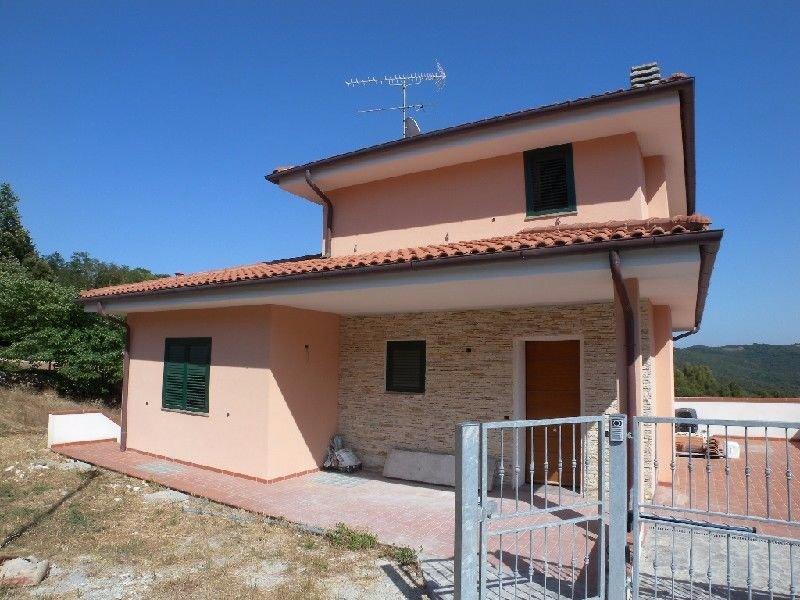 Villa in vendita a Rosignano Marittimo, 10 locali, prezzo € 520.000   CambioCasa.it
