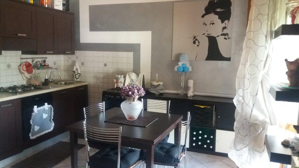 Appartamento in vendita a Massa e Cozzile, 4 locali, prezzo € 135.000 | CambioCasa.it