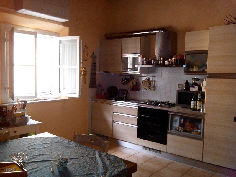 Appartamento in vendita a Peccioli, 3 locali, prezzo € 96.000 | CambioCasa.it