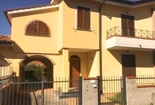 Villa a Schiera in Affitto a Vecchiano