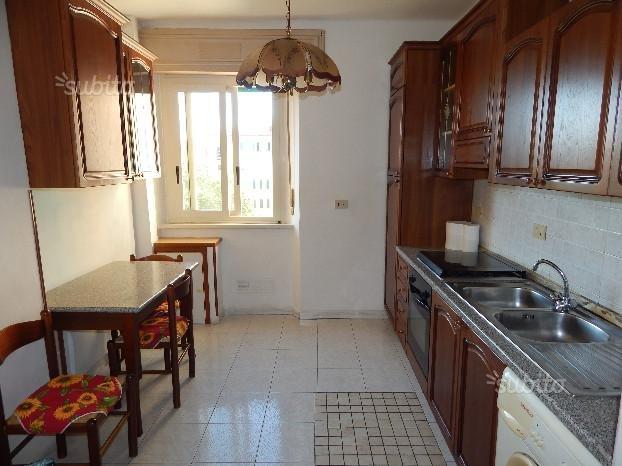 Appartamento in vendita a Livorno, 3 locali, prezzo € 75.000 | CambioCasa.it