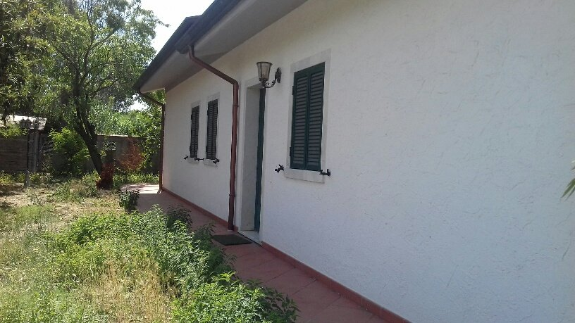 Villa in vendita a Carrara, 6 locali, prezzo € 350.000 | CambioCasa.it