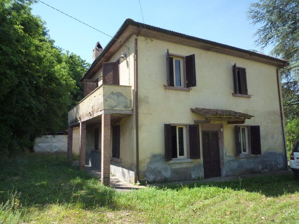 Rustico / Casale in vendita a Santa Maria a Monte, 8 locali, prezzo € 163.000   CambioCasa.it