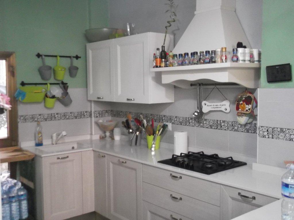 Appartamento in vendita a Santa Croce sull'Arno, 7 locali, prezzo € 150.000 | CambioCasa.it