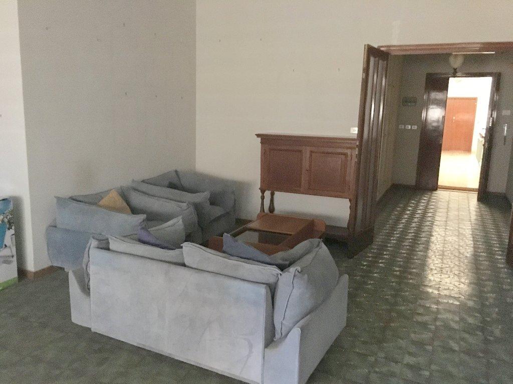 Appartamento in vendita a Livorno, 6 locali, prezzo € 230.000 | CambioCasa.it