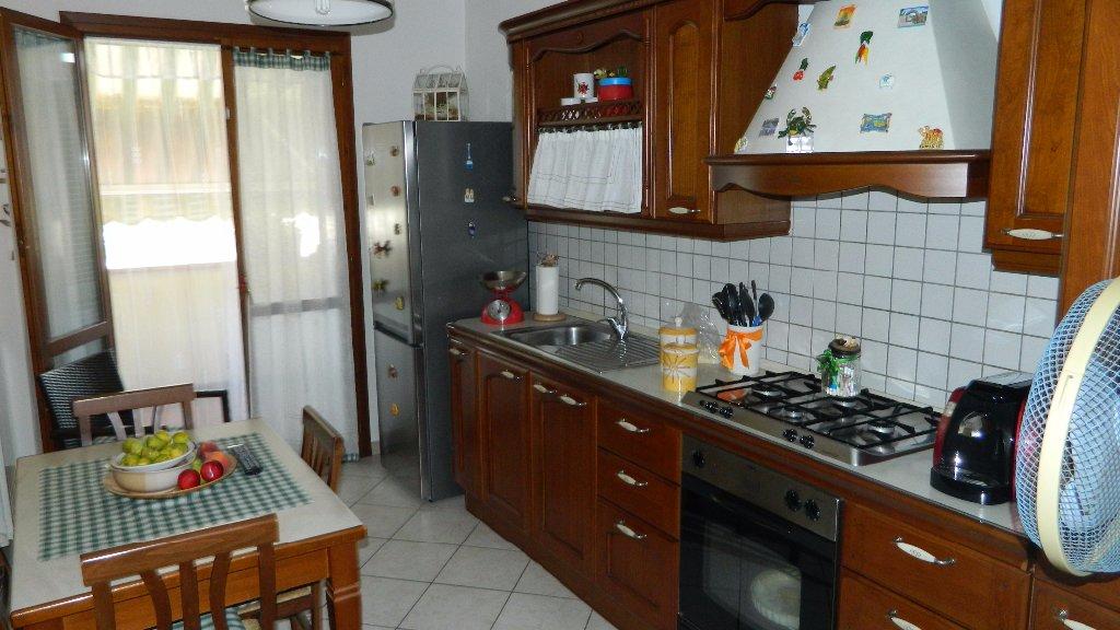 Appartamento in vendita - Luni