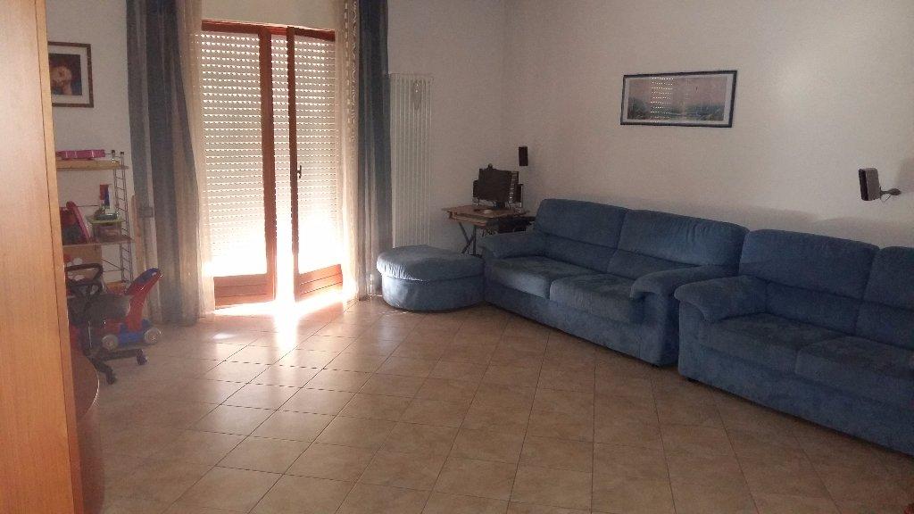 Appartamento in affitto a San Giuliano Terme, 4 locali, prezzo € 700 | CambioCasa.it