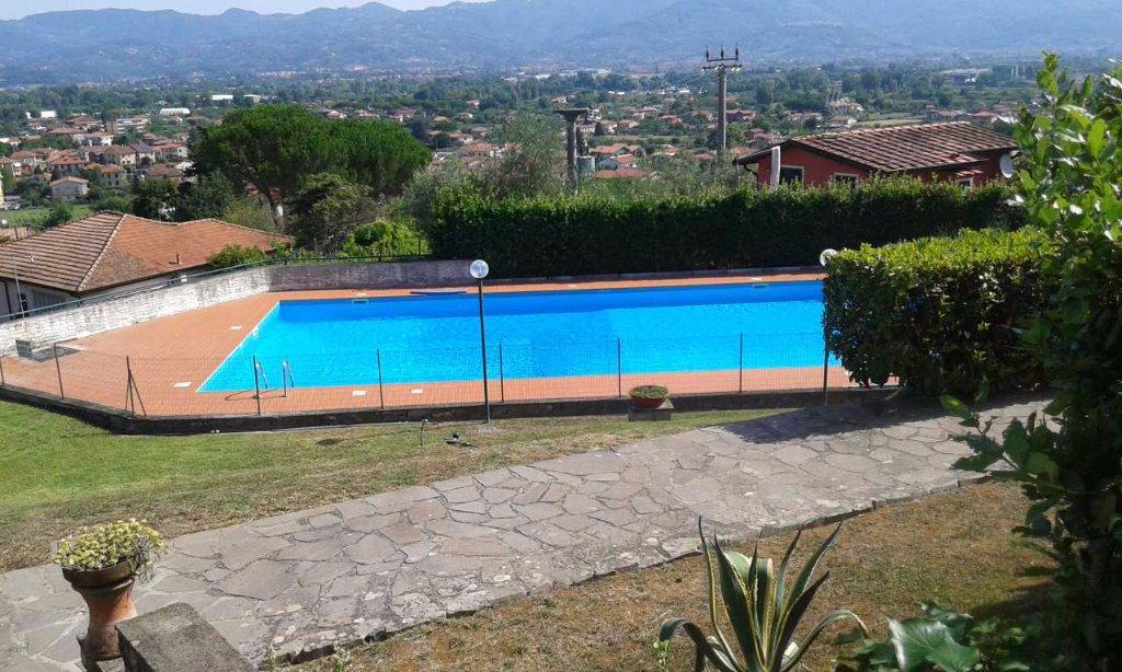 Appartamento in vendita a Ameglia, 3 locali, prezzo € 120.000 | CambioCasa.it