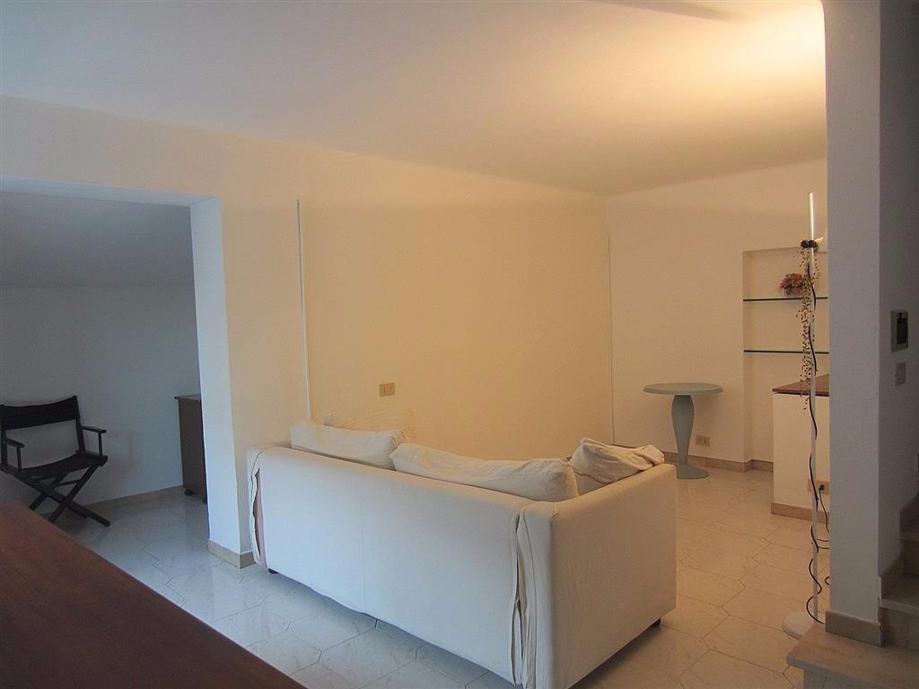 Attico / Mansarda in affitto a Pisa, 4 locali, prezzo € 700 | CambioCasa.it