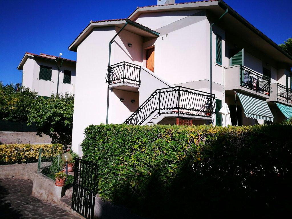 Villa Tri-Quadrifamiliare in Vendita a Rosignano Marittimo