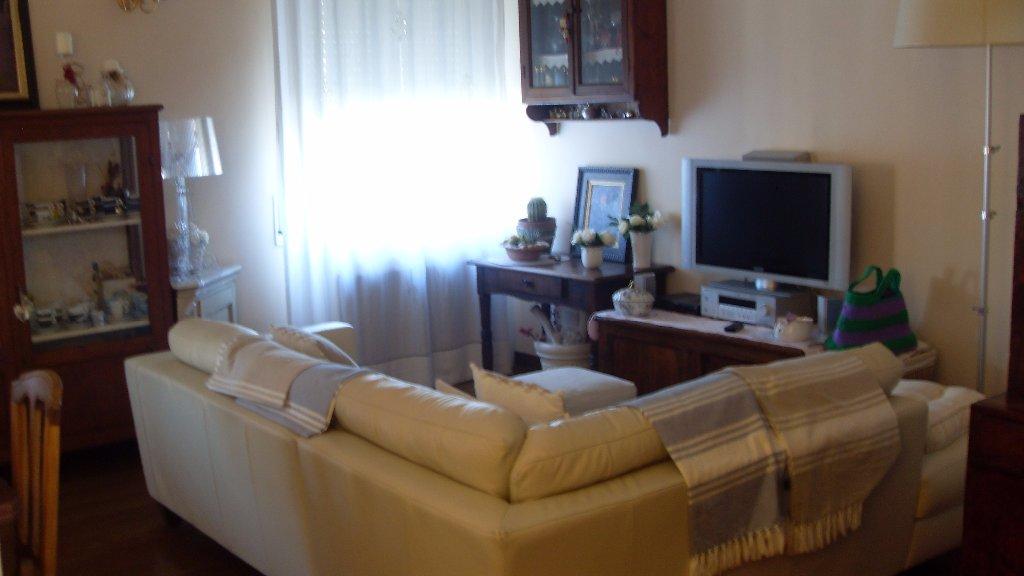 Appartamento in vendita a Livorno, 4 locali, prezzo € 198.000 | CambioCasa.it
