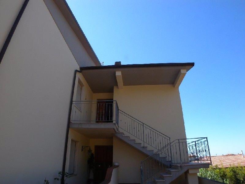 Appartamento in affitto a Rosignano Marittimo, 6 locali, prezzo € 750 | CambioCasa.it