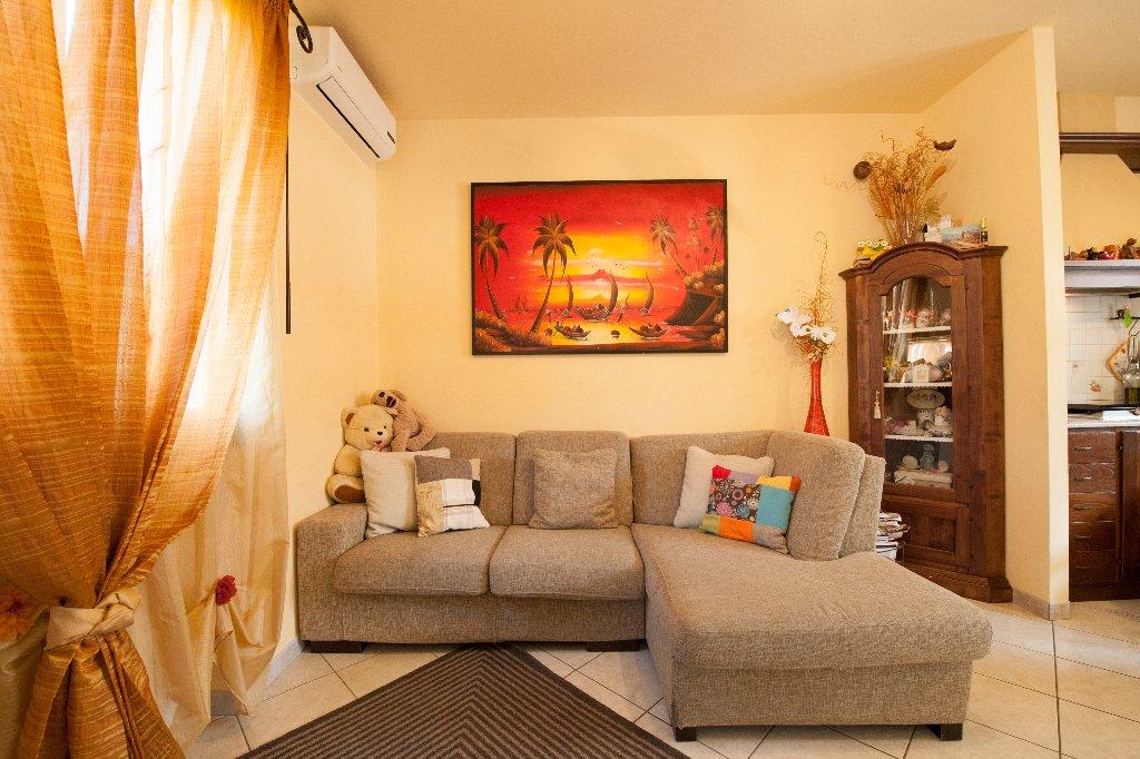 Appartamento in vendita a Buti, 4 locali, prezzo € 128.000 | CambioCasa.it